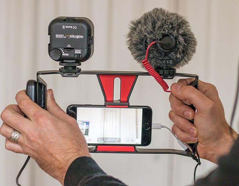 Communication interne : de la difficulté de s'improviser journaliste (même avec un smartphone)